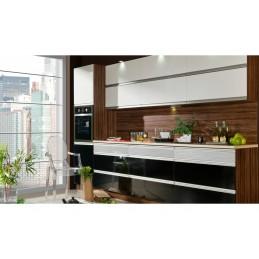 Moderní kuchyňská linka lesk